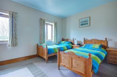 Buttercup Lodge - Bedroom 2.jpg
